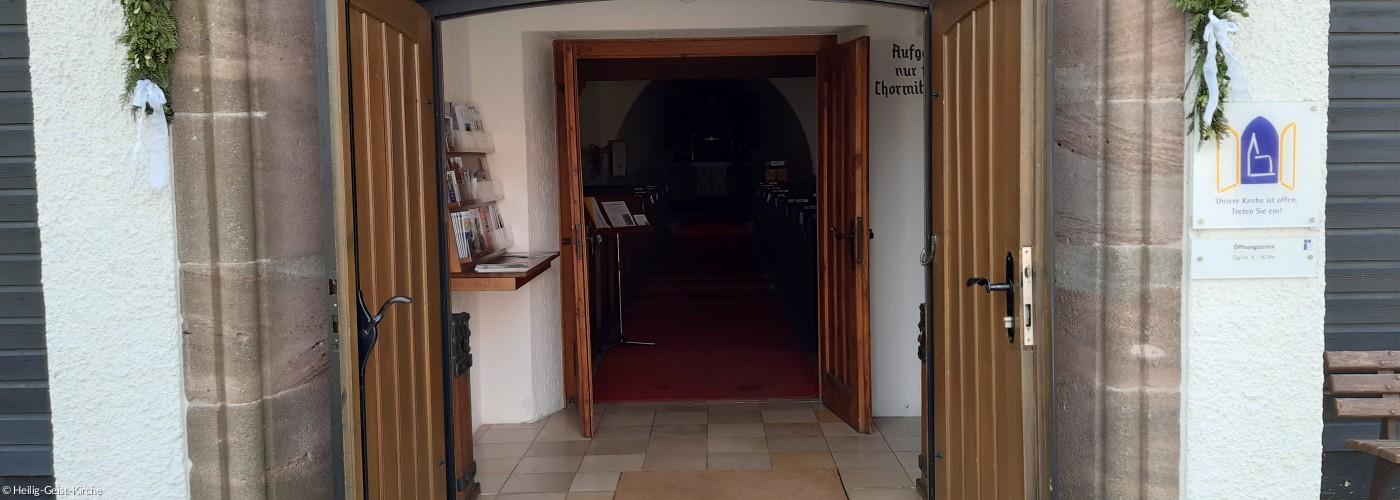 Kirche-Eingang-2